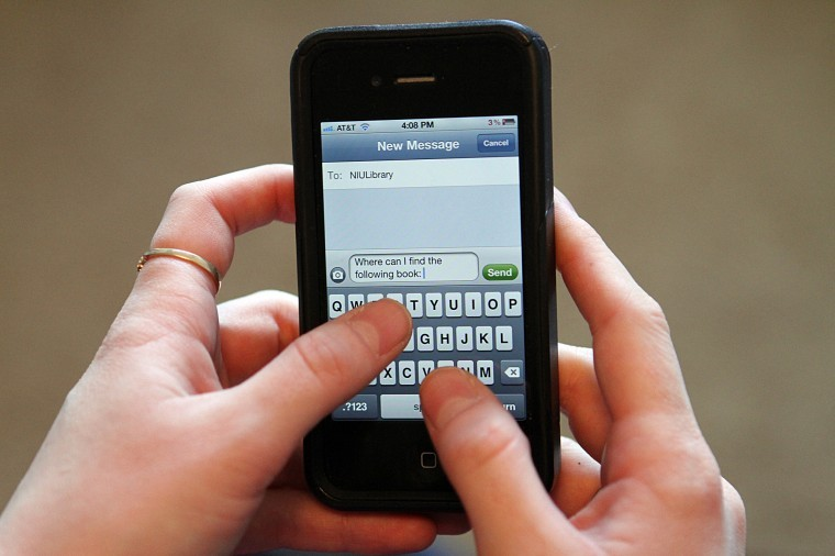 A new statewide service offered by Illinois libraries will provide help via text messaging services.