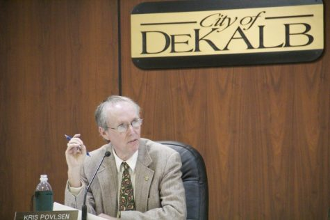 Mayor Kris Povlsen discusses the ordinance approving the redistricting of the wards of the city of DeKalb at the city council meeting Monday night. The redistricting equalizes population and attempts to raise voter turnout in some of the wards.