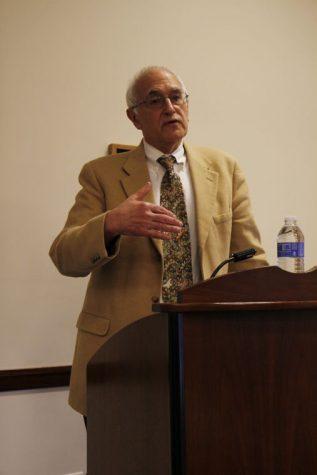 Notre Dame professor speaks a NIU