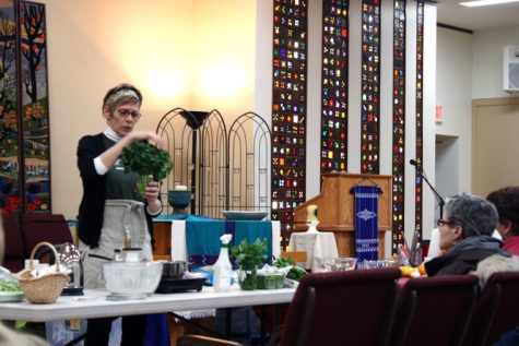 Jo Cessna, culinary instructor with KishHealth Systems, gives a demonstration on how clean, store and cook early spring greens at a DeKalb County Community Gardens meeting. The meeting — the first of the year — was Tuesday at the Unitarian Universalist Fellowship, 158 N. Fourth St. Meetings are the first Monday of every month.