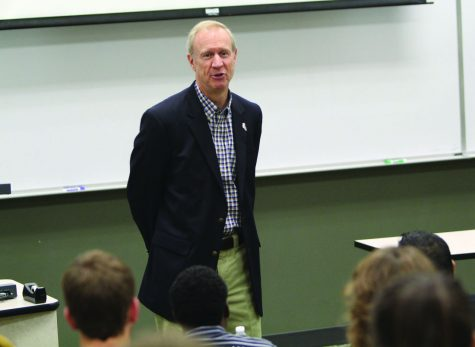 Republican gubernatorial candidate Bruce Rauner speaks to business students Aug. 29 in Barsema Hall. Rauner gave advice on investing in start-up businesses and discussed how he will use his experience in venture capitalism to promote job growth in Illinois if elected in November.