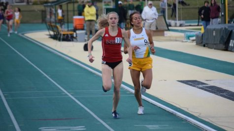 Schmelzle qualified for the NCAA Championshipswith a time of 10:04:37 at the Mid-American Conference west region preliminaries May 26.