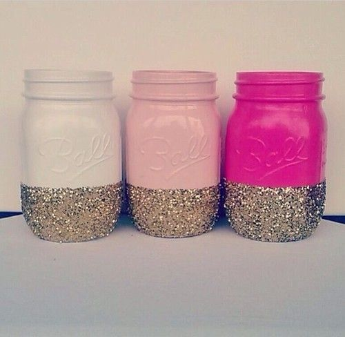 These mason jar pencil holders are easy to make and a cute way to customize a dorm room.