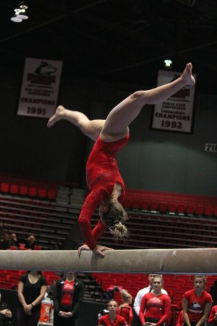 Gymnastics hangs tough with Kent State