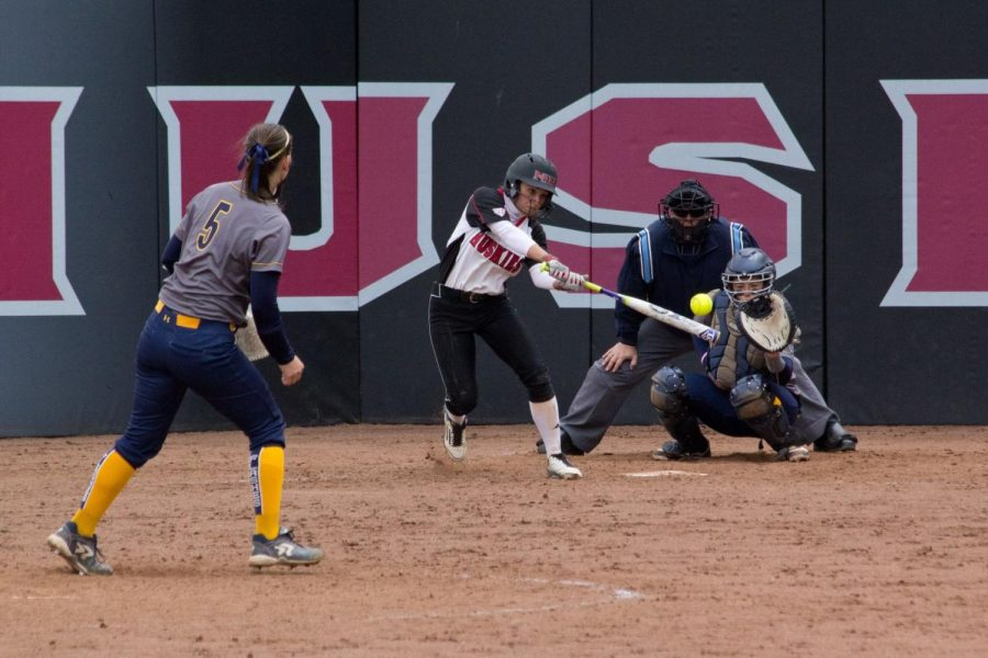 Softball gets two wins in Carbondale
