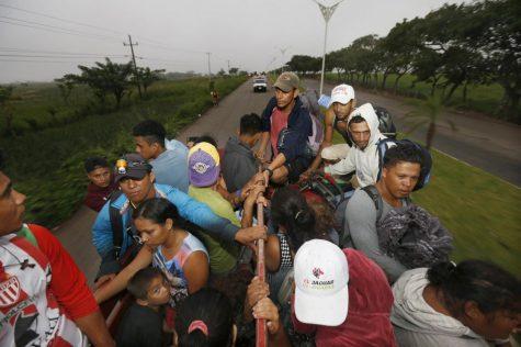 Migrant caravan stirs politics