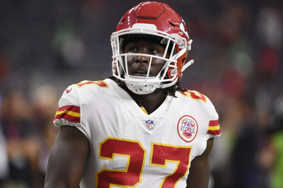 Kareem Hunt cut from Chiefs after video surfaces