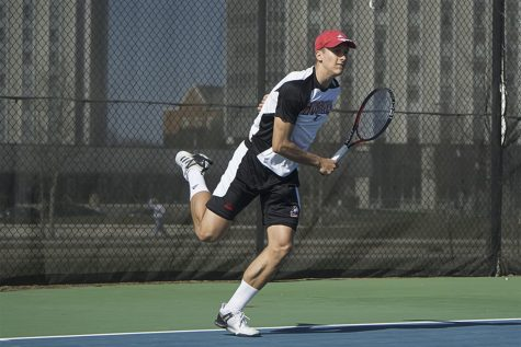 Mens Tennis drops both weekend meets to fall to 8-7 on the year