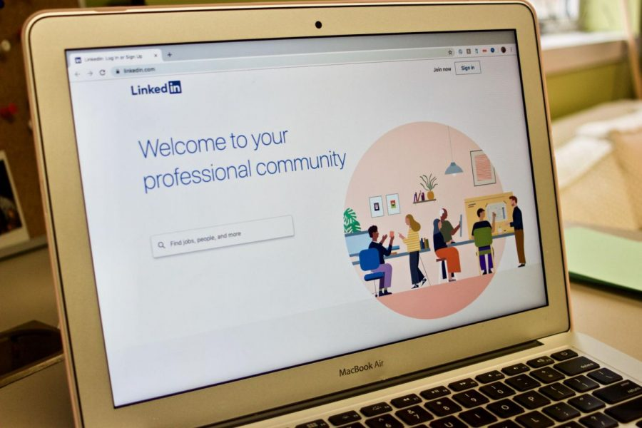 NIU students cam access all the LinkedIn Learning features without giving up any privacy.