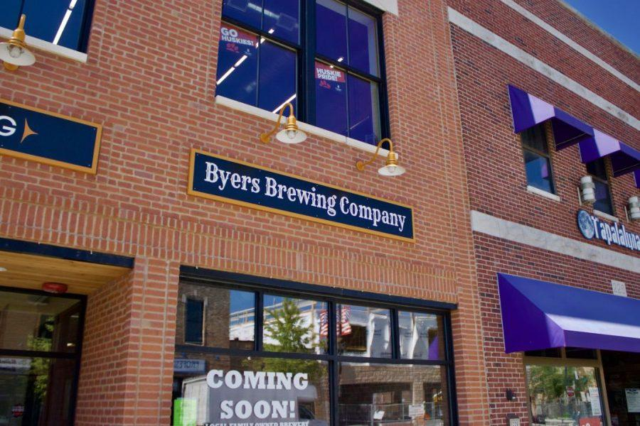 Byers+Brewing+Company%2C+230+E.+Lincoln+Highway%2C+hosted+an+open+mic+for+local+musicians+Thursday+evening.