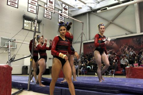 The Huskies prepare Friday for their annual Red/Black Intrasquad Meet in the Convocation Center.