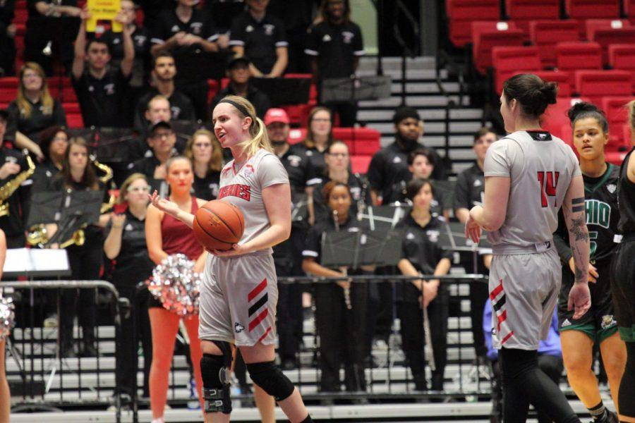 Redshirt+senior+forward+Courtney+Woods%C2%A0Wednesday+during+NIU%27s+%C2%A085-79+loss+to+Ohio+University+at+the+Convocation+Center.