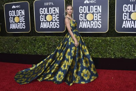 "Taylor Swift, who plays. Bombalurina in ""Cats"", arrives Sunday at the 77th annual Golden Globe Awards at the Beverly Hilton Hotel."