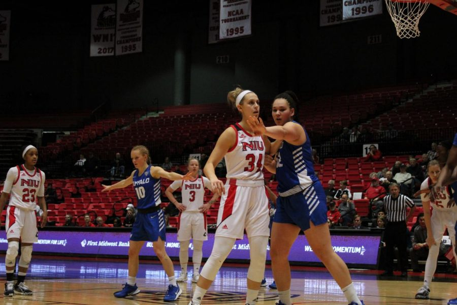 Redshirt+senior+Ally+May+%28center%29+prepares+for+the+ball+to+be+inbounded+from+the+baseline+Feb.+1+during+NIU%E2%80%99s+64-63+win+over+the+University+at+Buffalo+Bulls+at+the+Convocation+Center.
