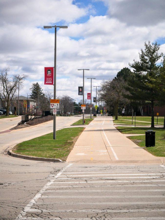 Lucinda Avenue sidewalk has no traffic due to NIUs campus closure.