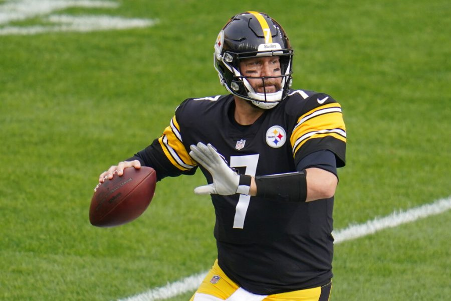 Pittsburgh Steelers quarterback Ben Roethlisberger (7) looks to pass against the Cleveland Browns in the first half of an NFL football game Sunday, Oct. 18, 2020, in Pittsburgh.
