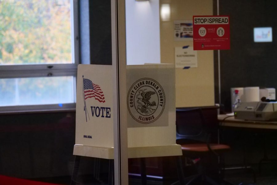 Voting booth in the Holmes Student Center in the Gallery Lounge on Oct.19.