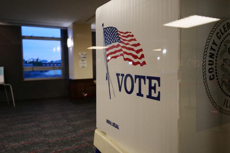 A voting booth in the Holmes Student Center.