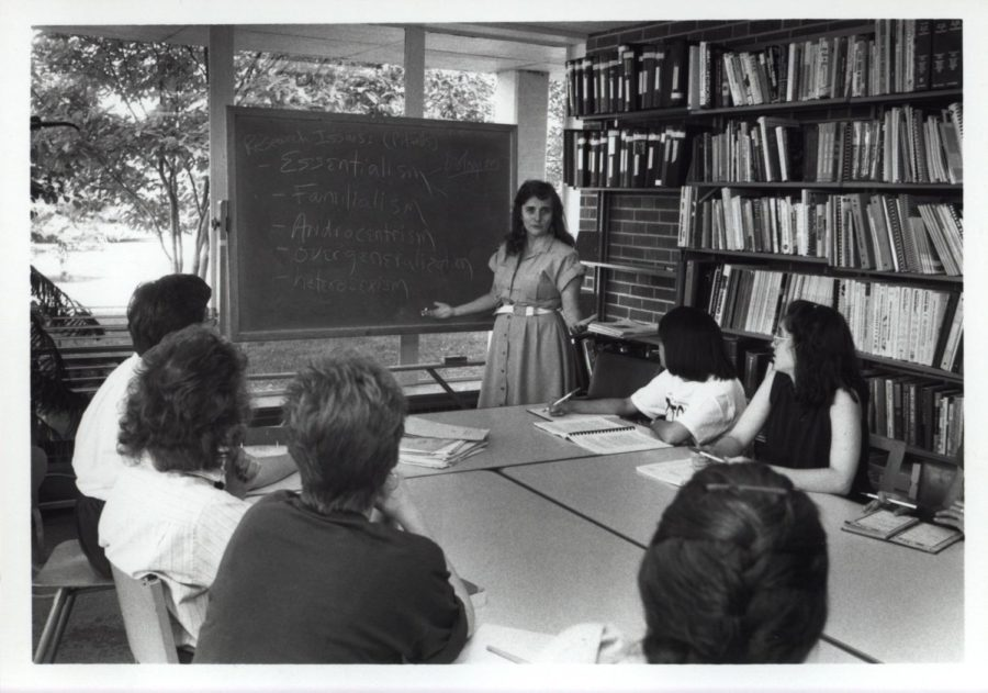 Former director Lois Self teaching students in 1989.